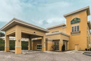 La Quinta Inn & Suites Central Papermill Knoxville