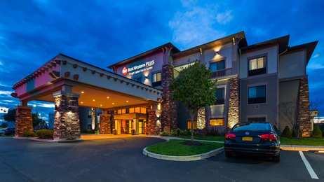 Best Western Plus Finger Lakes Inn & Suites Cortland