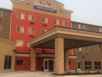 Baymont Inn & Suites Grand Forks
