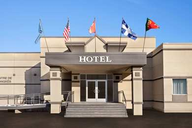 Hotels Near Montreal Airport Free Parking