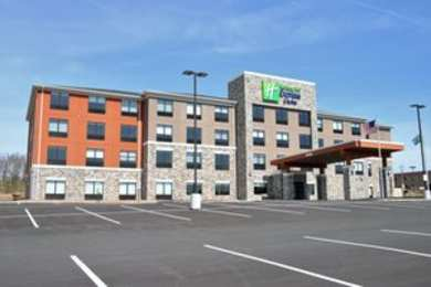 Holiday Inn Express Hotel & Suites Clarion
