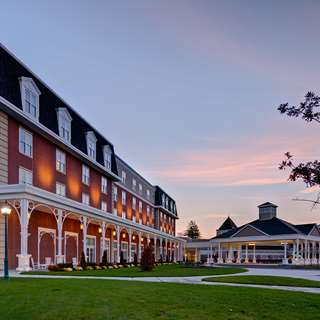 Saratoga Raceway Hotel Springs