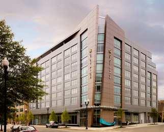 25 Good Hotels Near Court House Metro Arlington Va