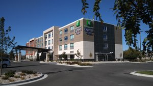 Holiday Inn Express & Suites Airport Boise