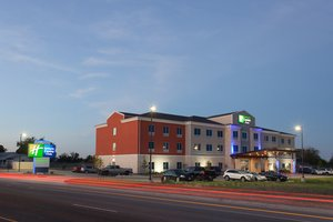 Holiday Inn Express Hotel & Suites Gatesville