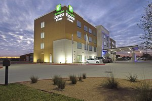 Holiday Inn Express Hotel Suites Brookshire