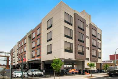 Comfort Inn Suites Bronx