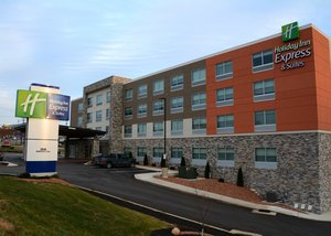 Holiday Inn Express Hotel & Suites Monroeville