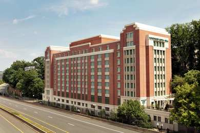 Homewood Suites by Hilton Rosslyn Arlington