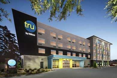 Tru by Hilton Hotel Midtown Savannah