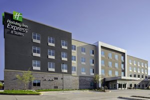 Holiday Inn Express & Suites Central Lubbock