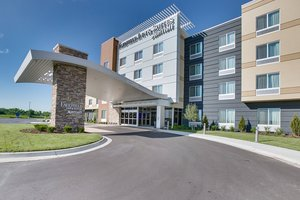 Fairfield Inn & Suites by Marriott East Square Mall Wichita