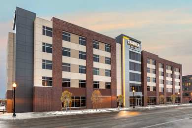 Cambria Hotel & Suites Downtown Omaha