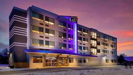 GLo Best Western Kanata Hotel