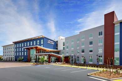 Hampton Inn & Suites Airport San Diego