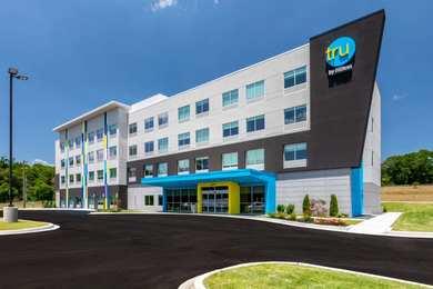 Tru by Hilton Hotel Seneca