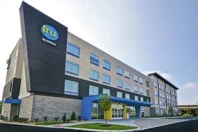 Tru by Hilton Hotel Fairborn