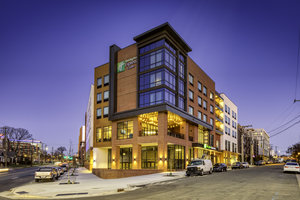 Holiday Inn Express Hotel & Suites South End Charlotte