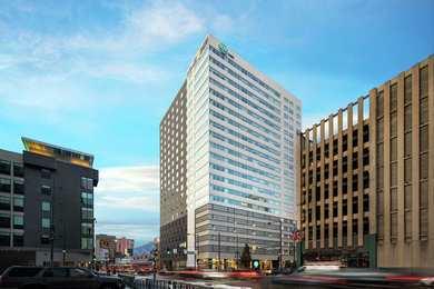 Home2 Suites by Hilton & Convention Center Downtown Denver