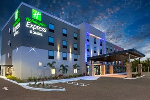 Holiday Inn Express & Suites Fort Myers Beach